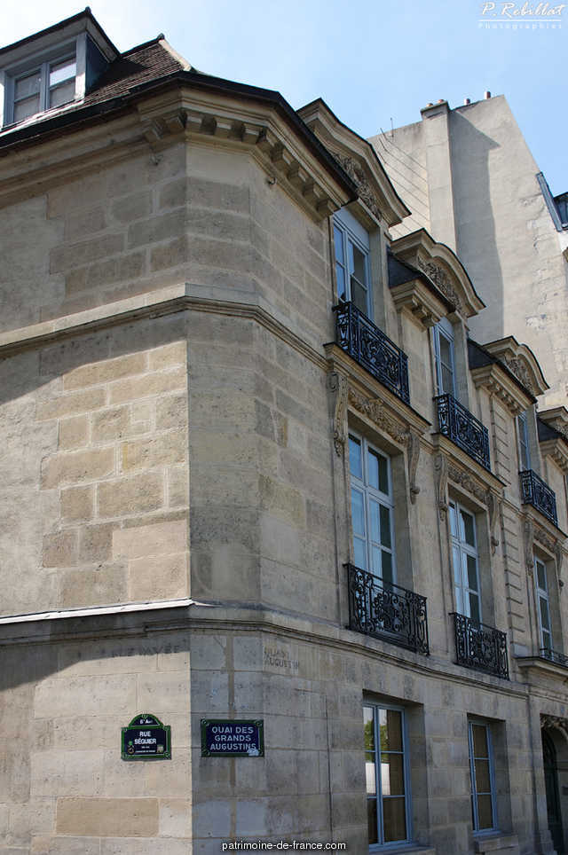 Former hotel Feydeau de Montholon, French Heritage monument to Paris 6eme arrondissement 8