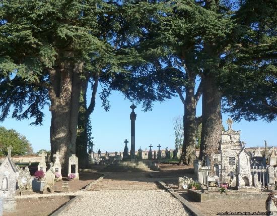 Cross Cemetery, French Heritage monument to Bouresse.