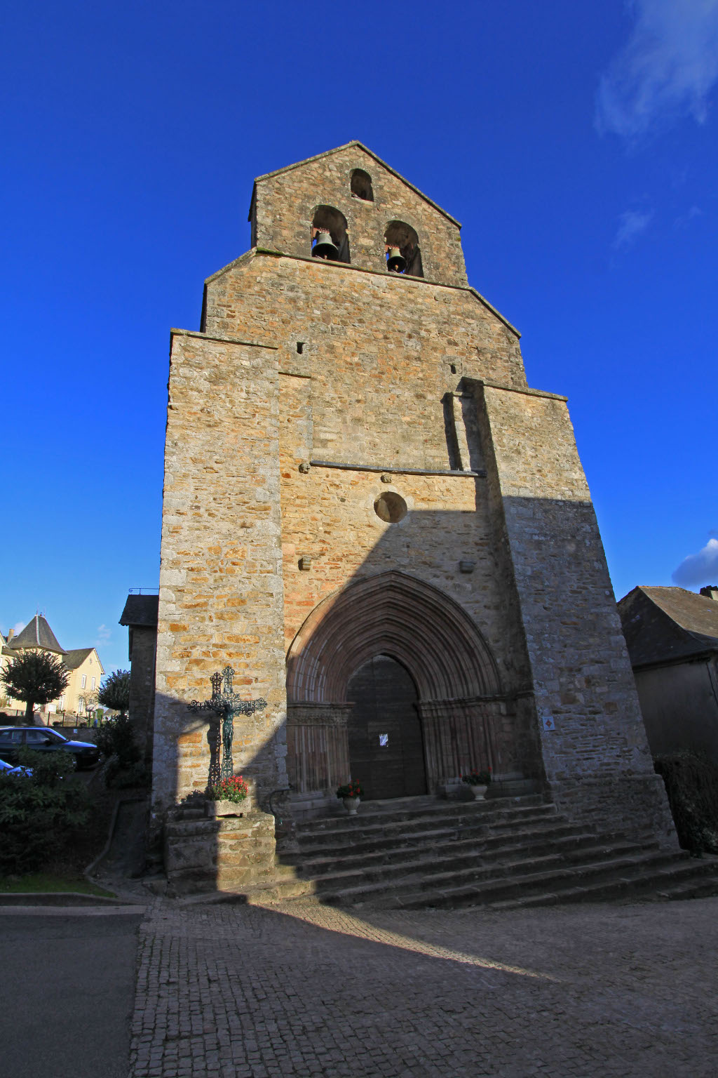 Church, French Heritage monument to Masseret.