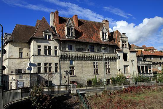 Maison des consuls perigueux dordogne for Maison perigueux