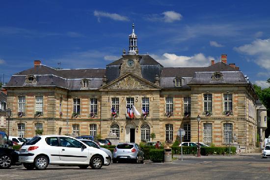 Hôtel de Ville à Ste menehould.