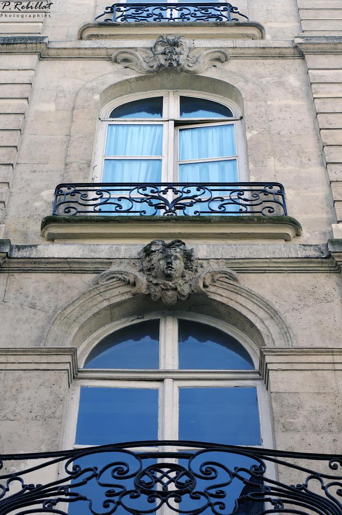 Hôtel Duchesne ou encore « Maison des Trois Chapelets » à Paris 6eme arrondissement.