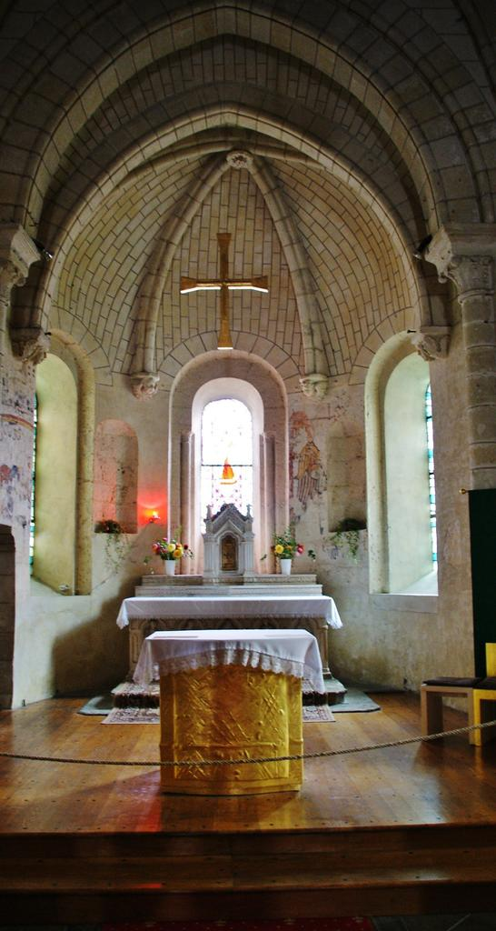 Church parish Saint Symphorien, French Heritage monument to Azay le rideau.