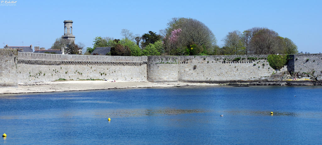 Remparts de la ville close concarneau finistere auteur for Piscine des remparts