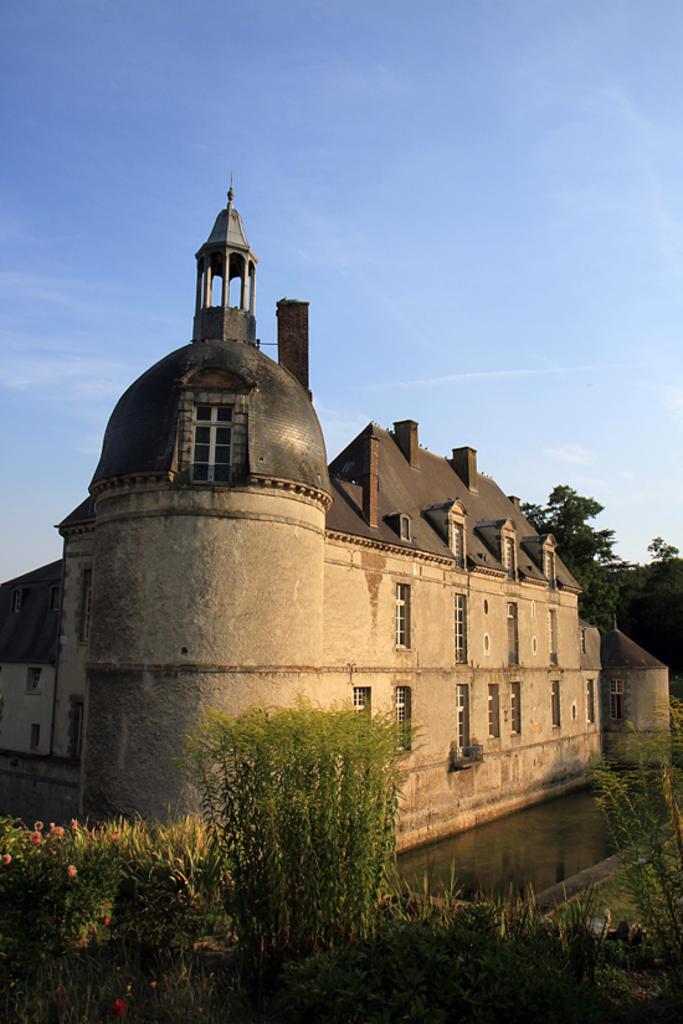 Château à Etoges.