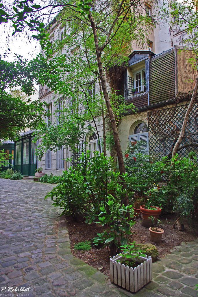 Collège des Trente-Trois (Séminaire des 33) à Paris 5eme arrondissement.
