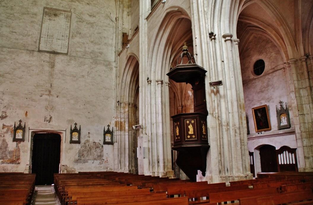 Ancienne abbaye à St satur.