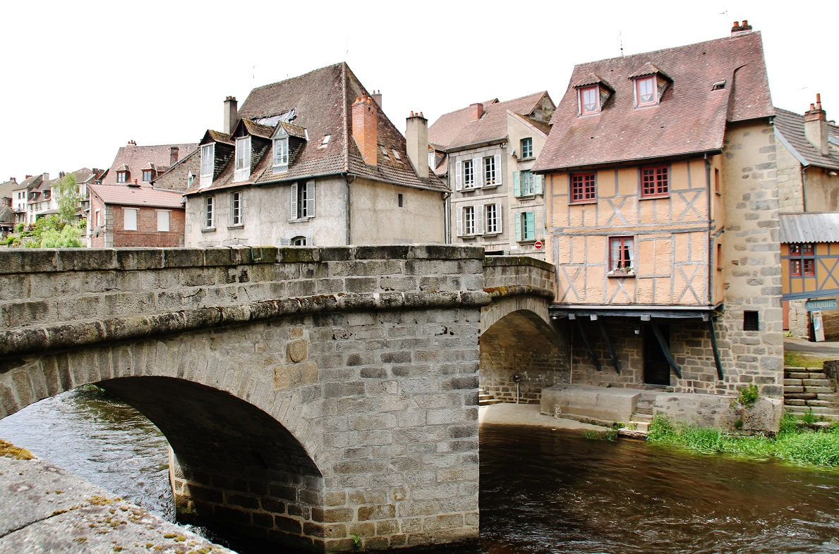 Bridge over the Terrade, French Heritage monument to Aubusson.