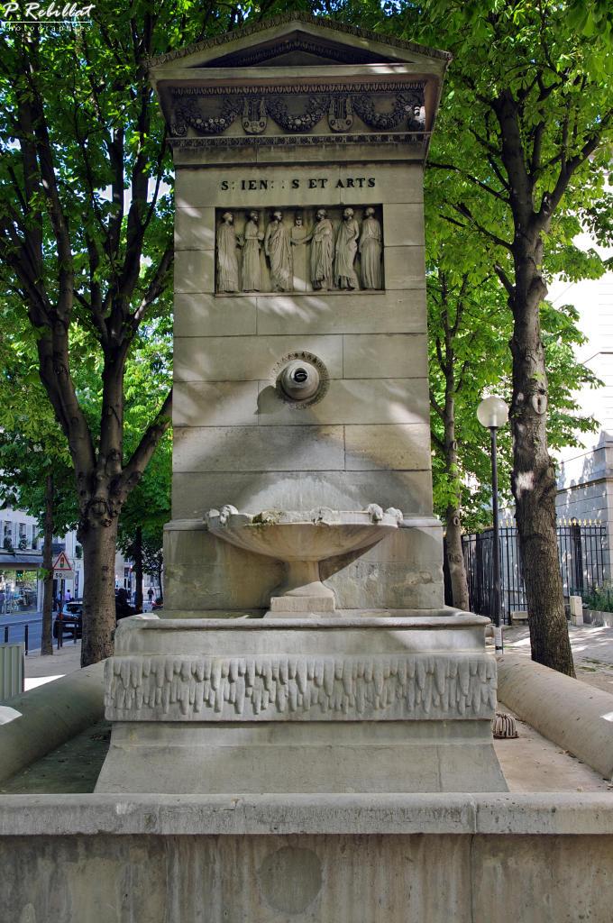 Fontaine du march saint germain paris 6eme for Agence immobiliere 6eme arrondissement paris