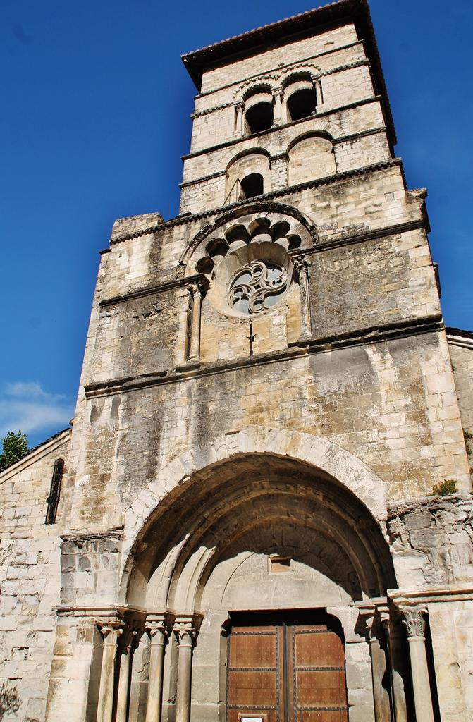 Church, French Heritage monument to Cruas.