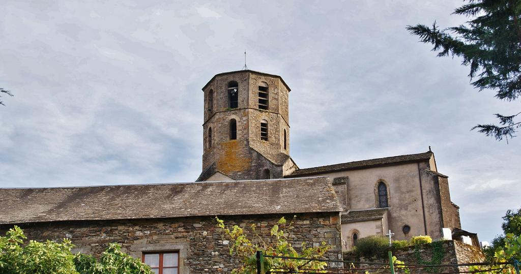 Church, French Heritage monument to Plaisance.