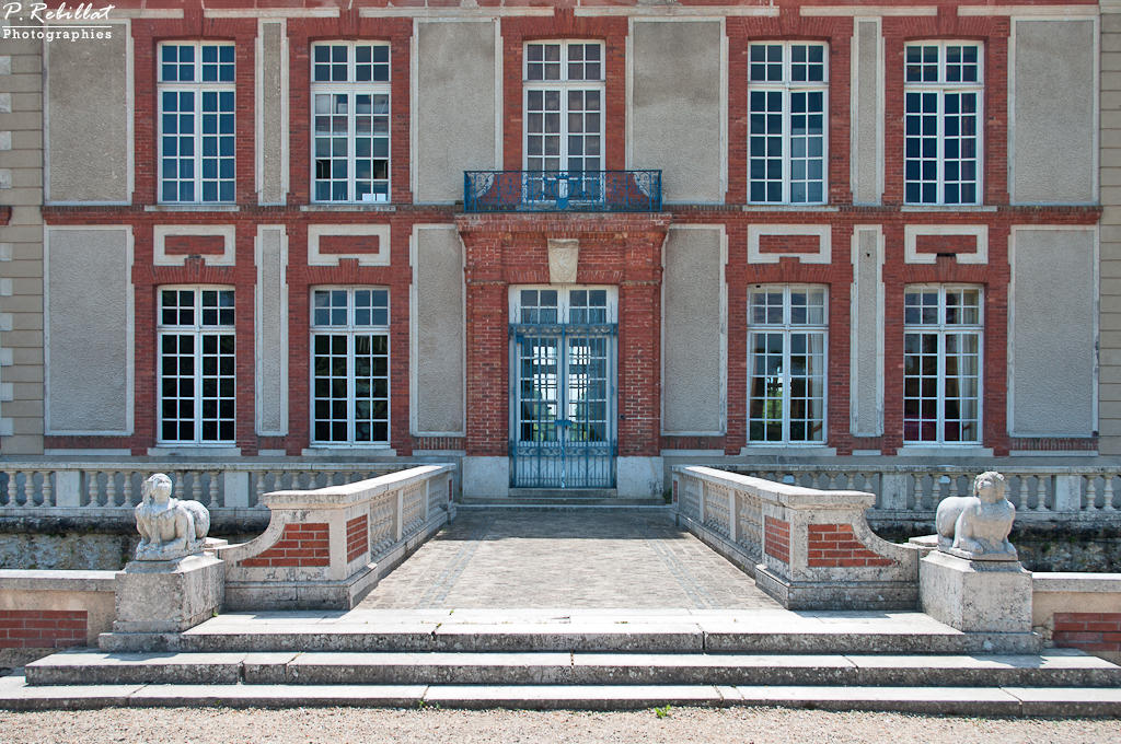 Castle of Breteuil, French Heritage monument to Choisel.