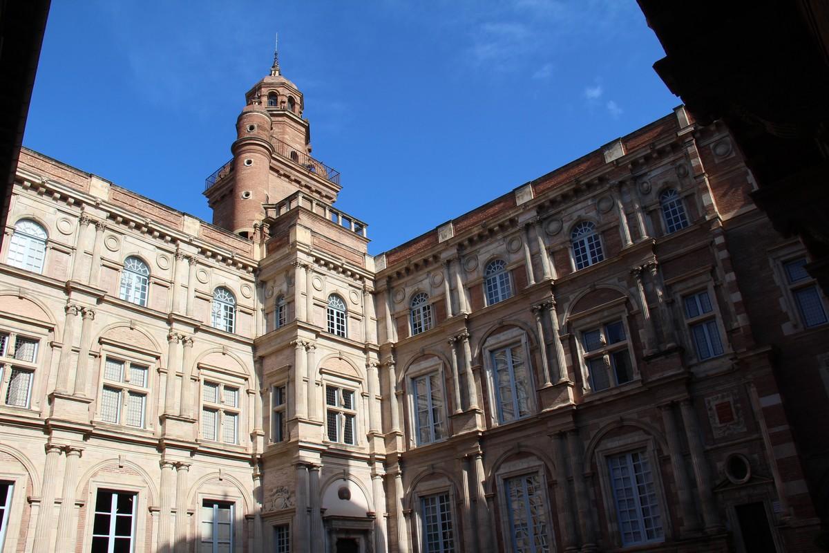 Hôtel d' Assézat et de Clémence Isaure à Toulouse.