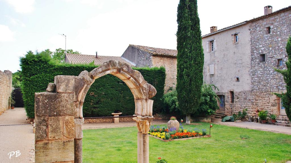 Fontcaude Abbey (old), French Heritage monument to Cazedarnes.
