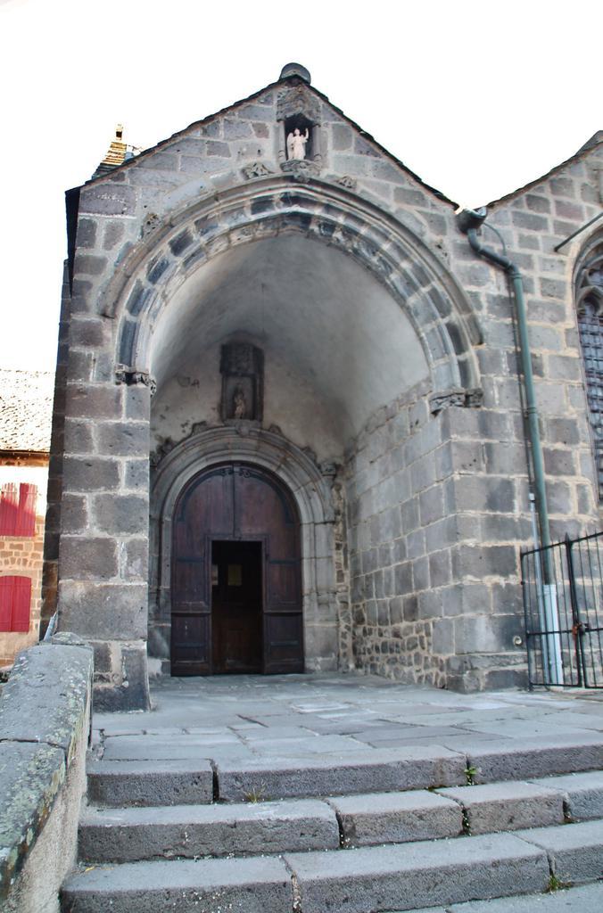 Eglise saint andr besse et st anastaise puy de dome - Office du tourisme besse en chandesse ...