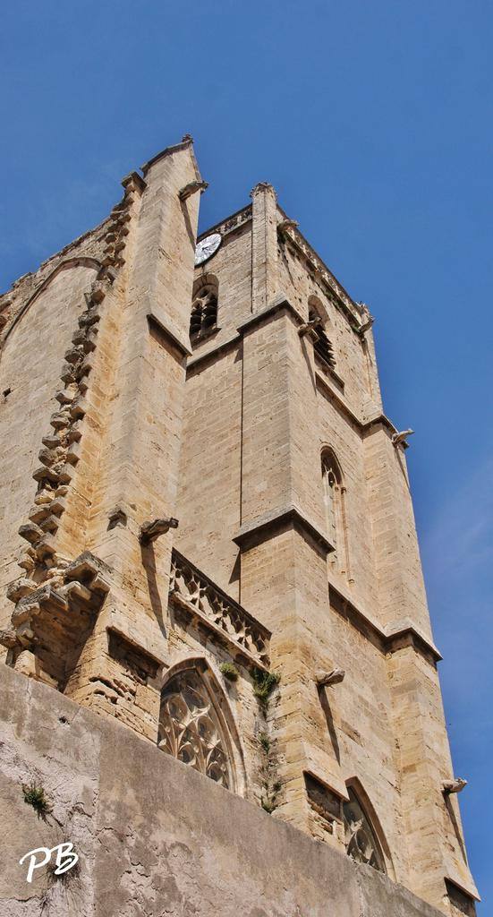 Collegiate Church and parish church Saint-Étienne, French Heritage monument to Capestang.