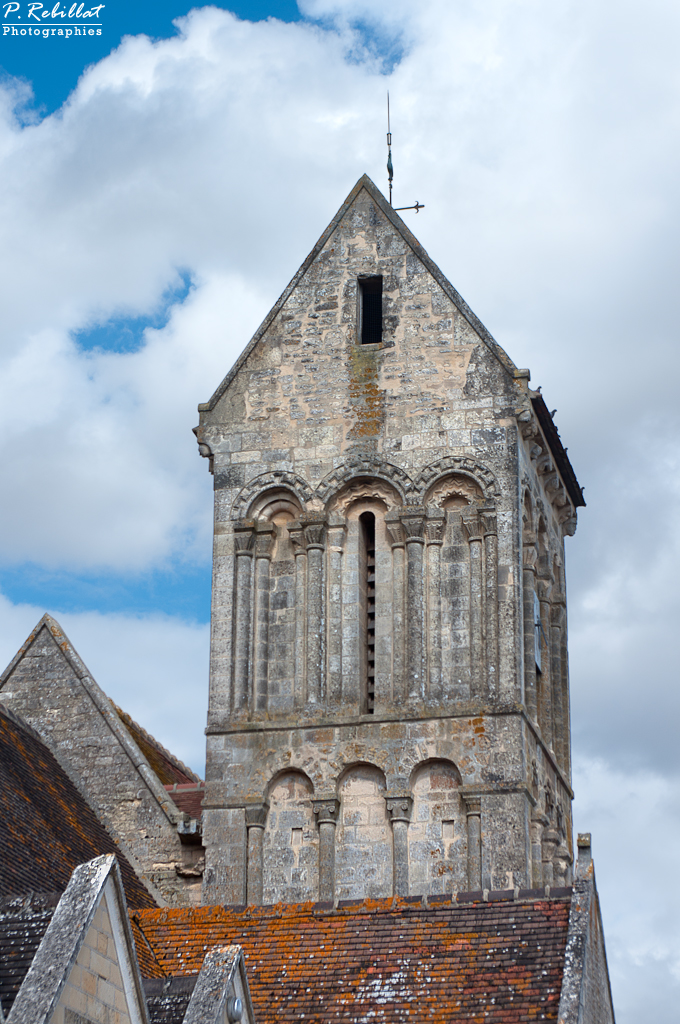 Church, French Heritage monument to Fontenay le marmion.