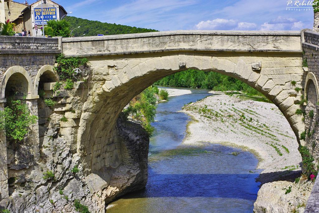Pont romain à Vaison la romaine.