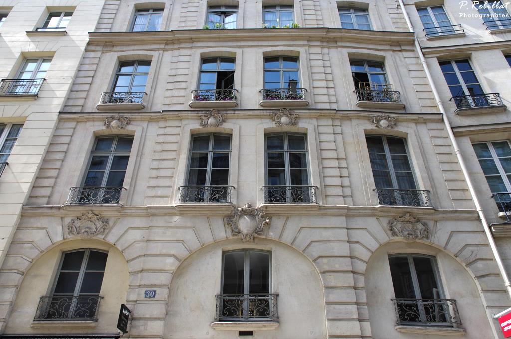 Rue de Buci à Paris 6eme arrondissement.