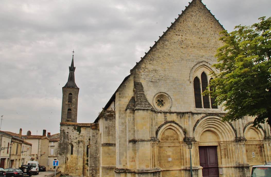Church of Notre-Dame, French Heritage monument to Guitres.