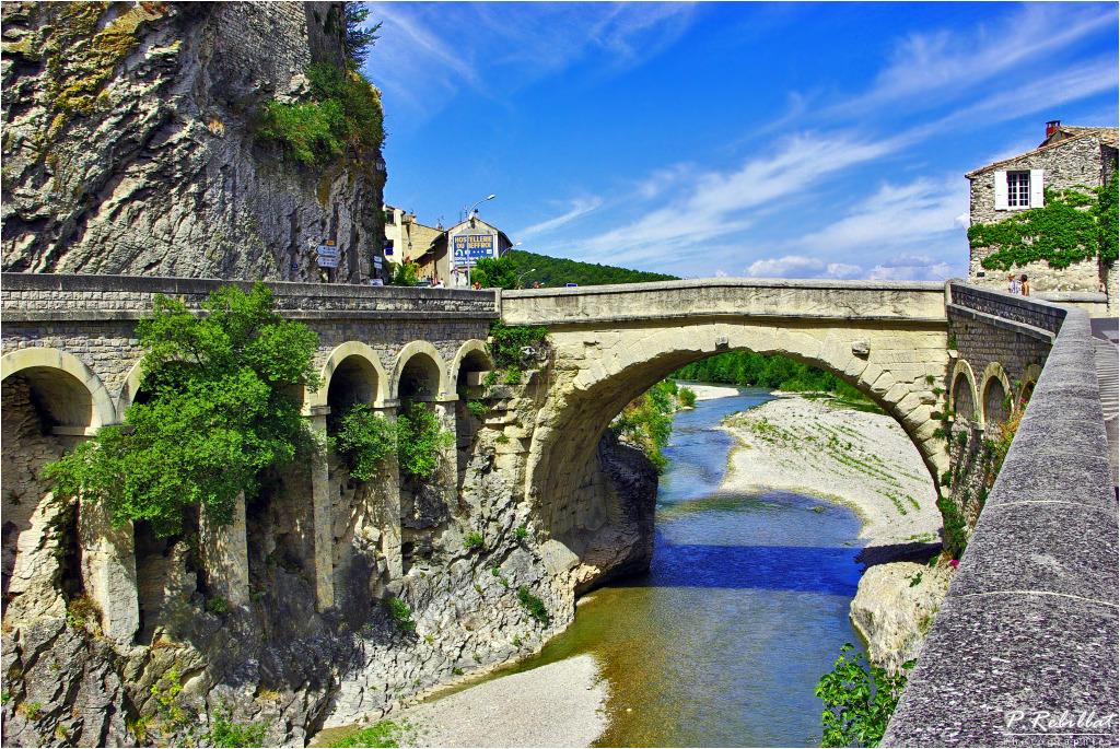 Pont romain vaison la romaine vaucluse - Office du tourisme de vaison la romaine ...