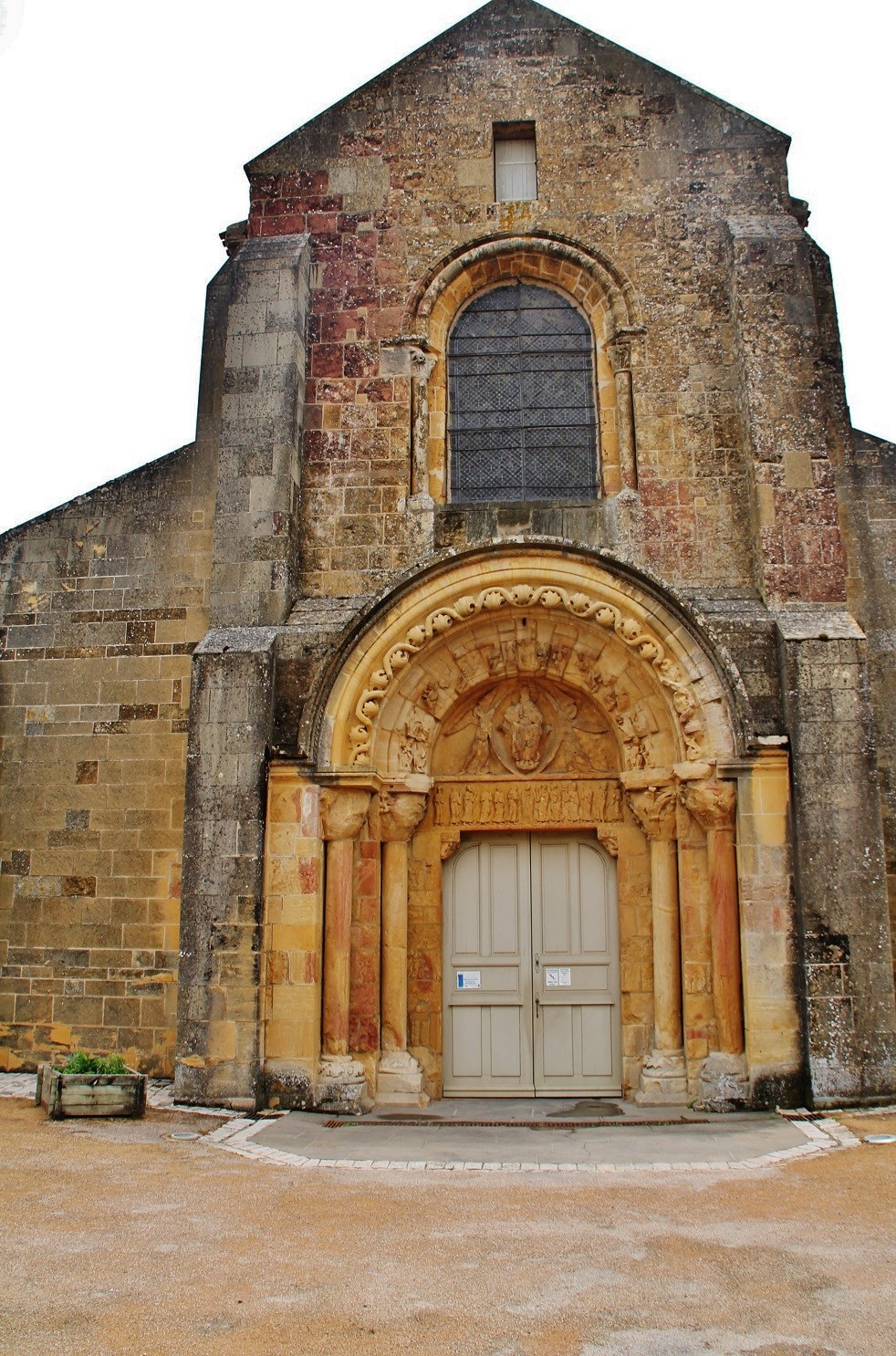 Church of Notre-Dame of the assumption to Anzy le duc.