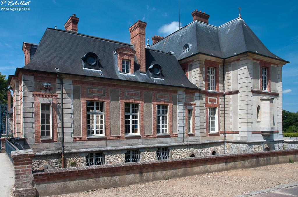 Château de Breteuil à Choisel.