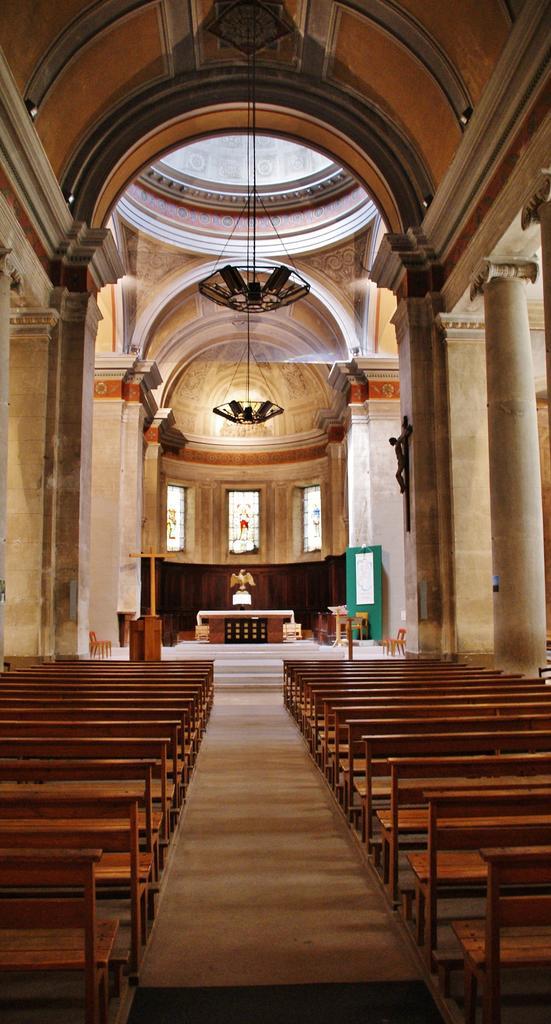 Eglise Saint-Sauveur à Crest.