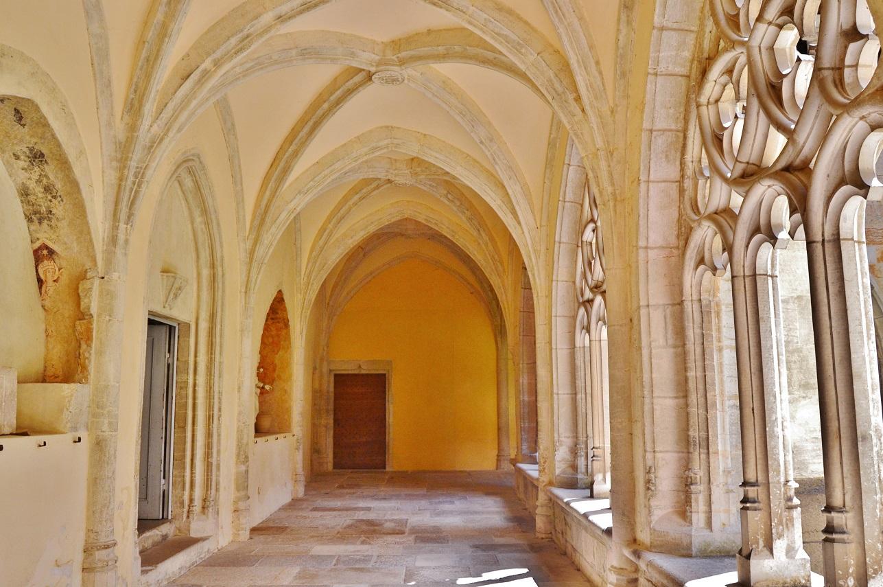 Abbaye (ancienne) à Ambronay.