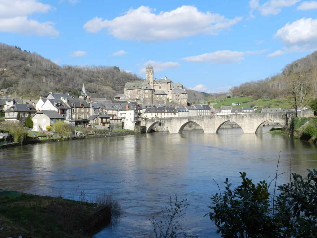 Pont dit d'Estaing (également sur commune de Sébrazac) à Estaing.