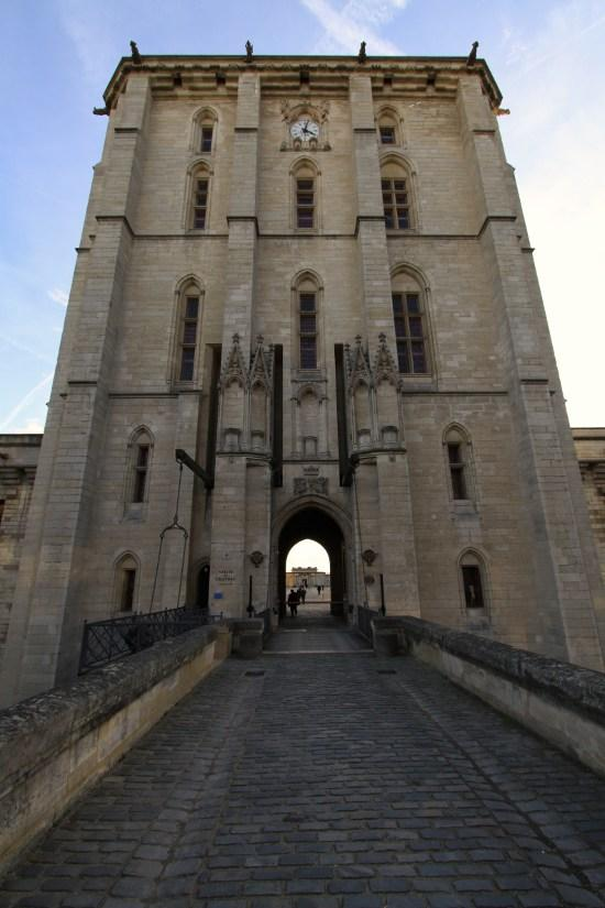 Near the castle of Vincennes, French Heritage monument to Vincennes.