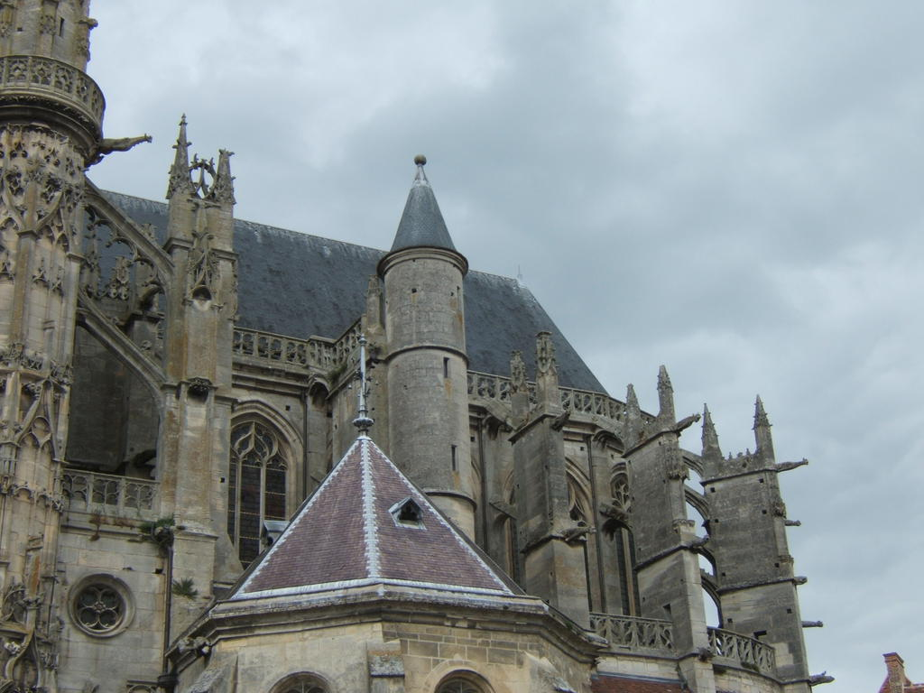 Saint-Gervais-St.-Protais Cathedral , French Heritage monument to Senlis.