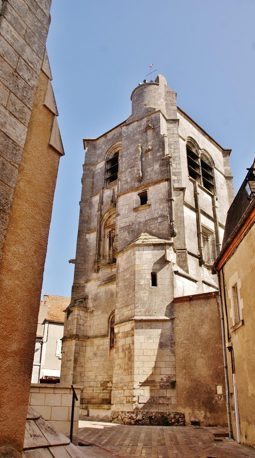 Church Saint-Pierre or None-the-Pope, French Heritage monument to Sancerre.