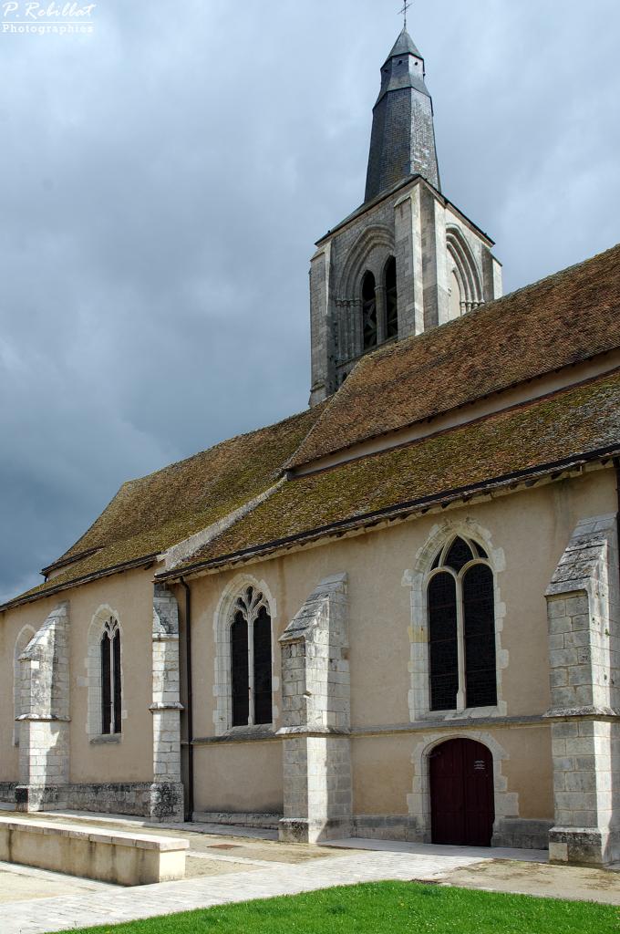 Church Saint-Aignan, French Heritage monument to Bonny sur loire.
