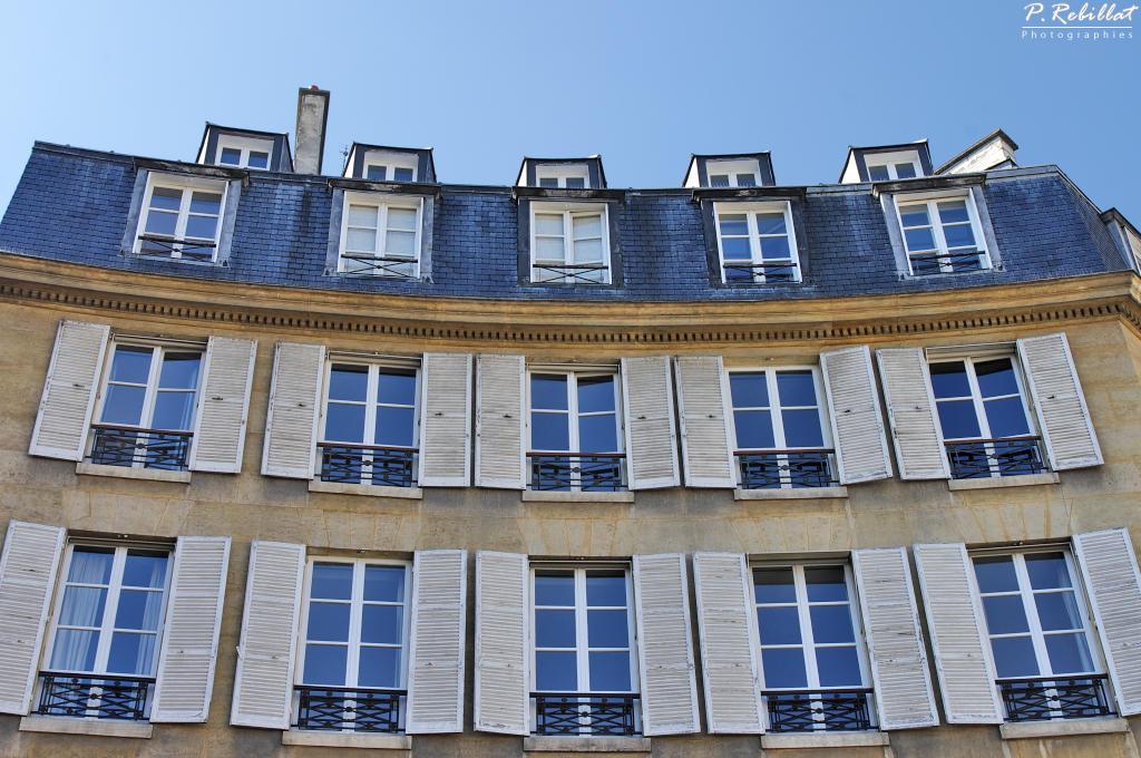 Place de l'Odéon à Paris 6eme arrondissement.