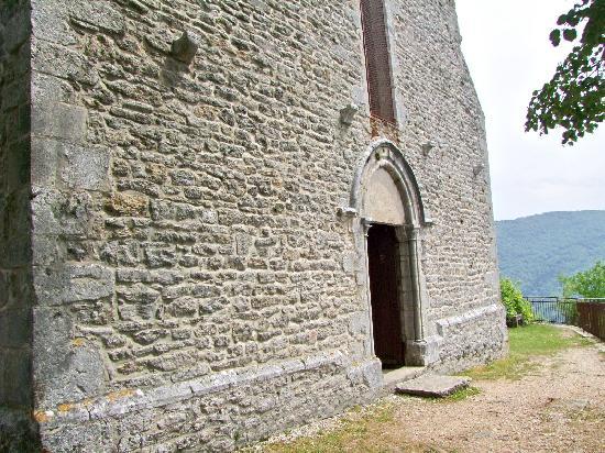 Chapel of Saint-Romain-de-Roche, French Heritage monument to Pratz.