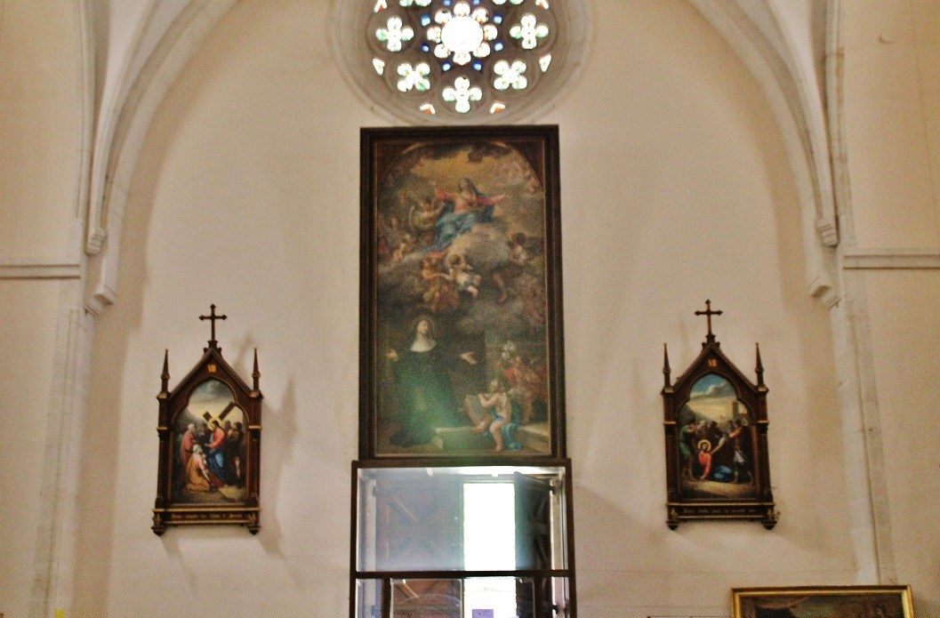 Parish church Notre-Dame-de-mercy, Sainte-Agathe, French Heritage monument to Grillon.
