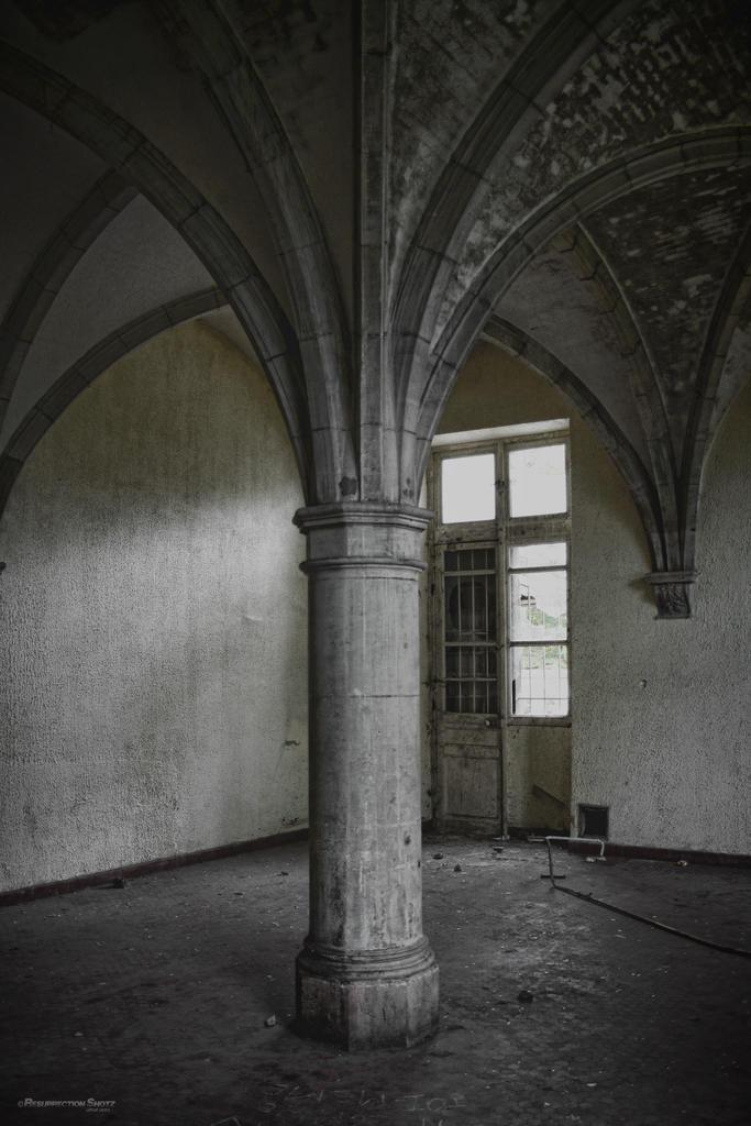 abbaye de toussaint ancienne chalons en champagne marne auteur resurrection shotz. Black Bedroom Furniture Sets. Home Design Ideas