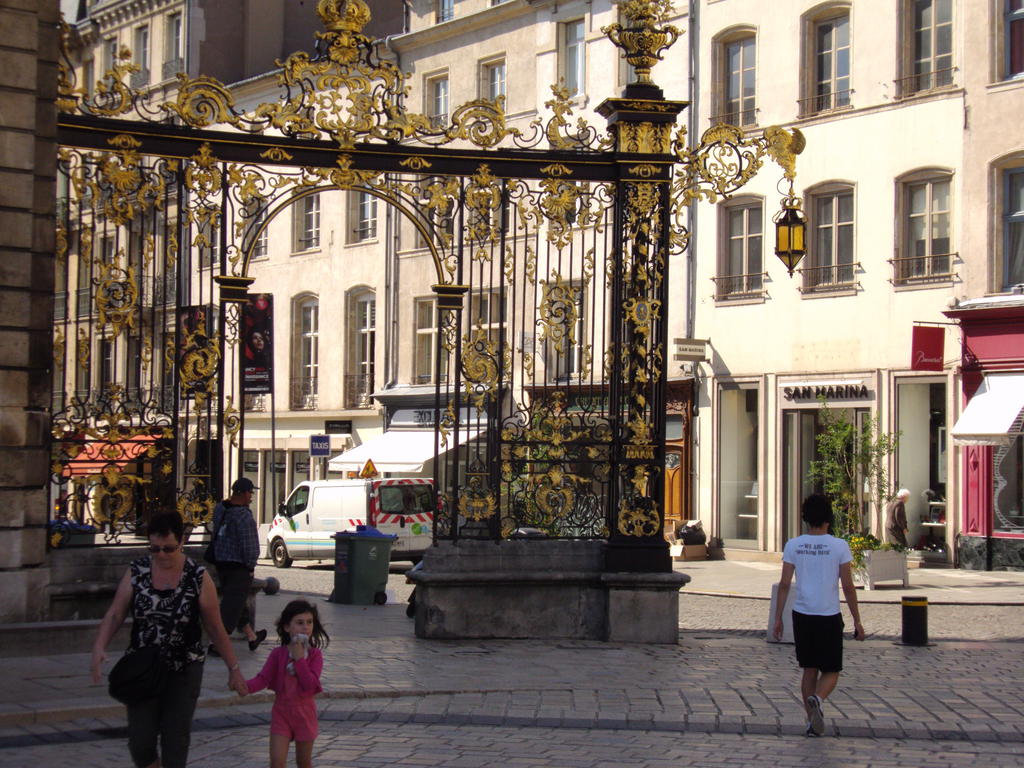 Place Stanislas to Nancy.
