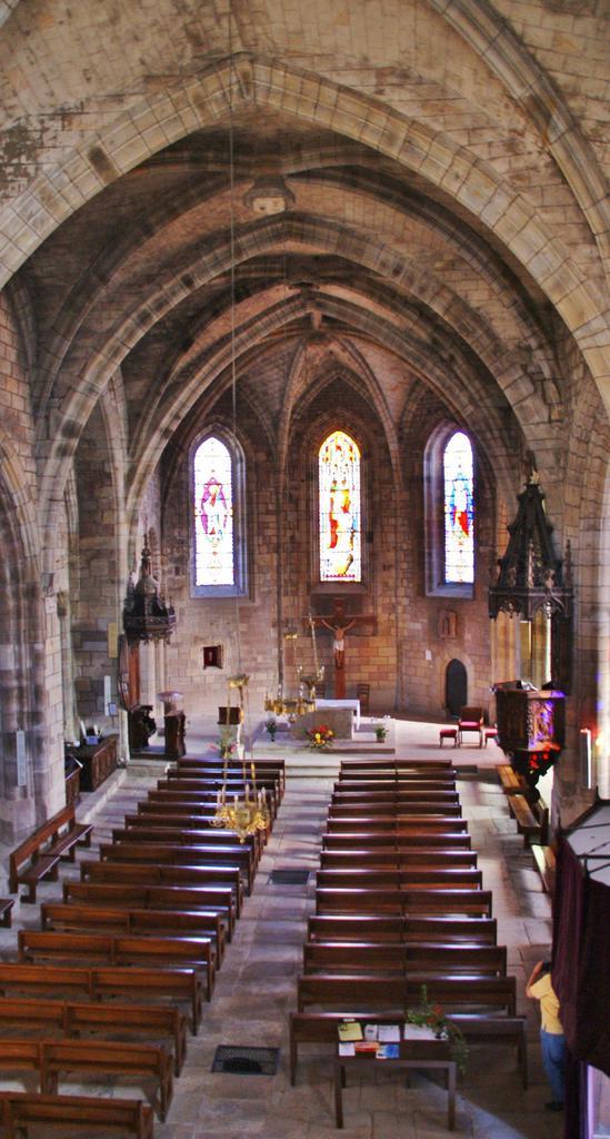 Eglise à St sernin sur rance.