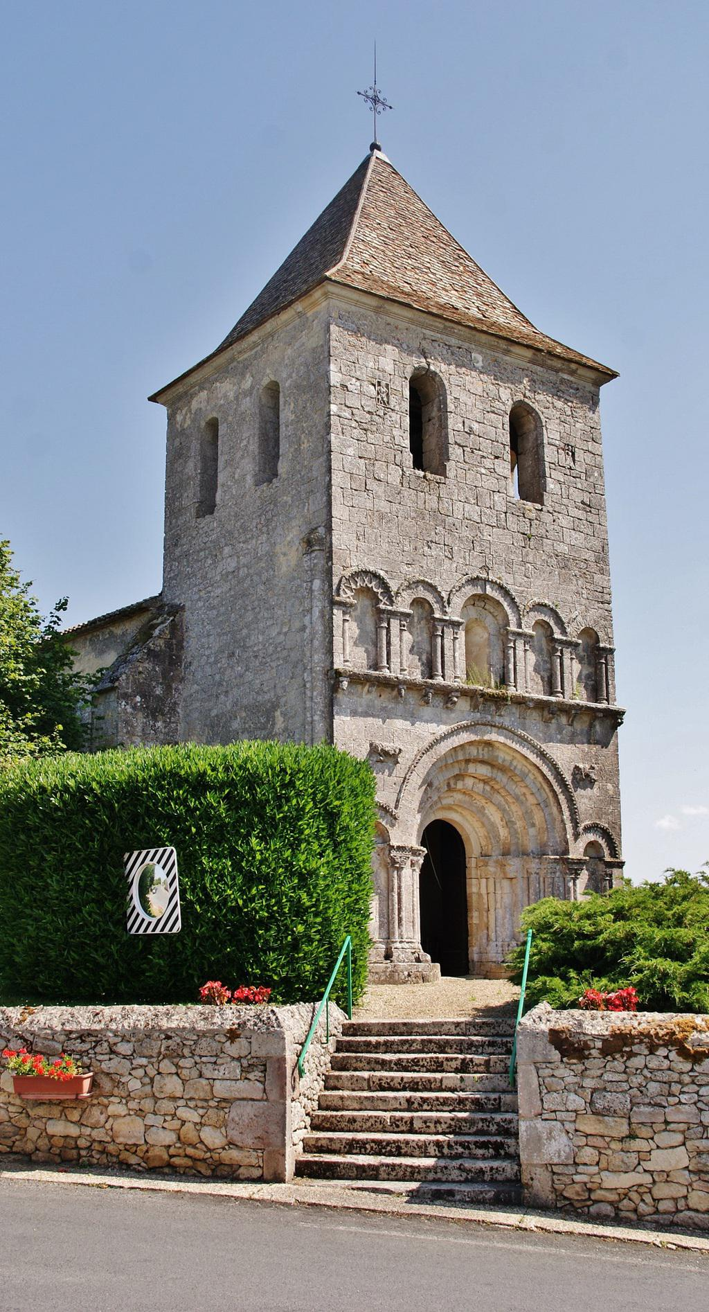 Eglise Saint-Pierre de Carsac à Carsac de gurson.