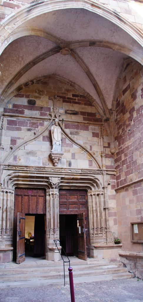 Church, French Heritage monument to St sernin sur rance.