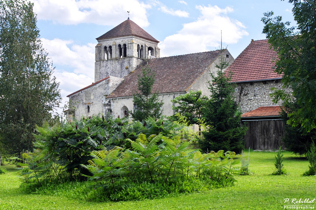 Old church, French Heritage monument to Barberier.