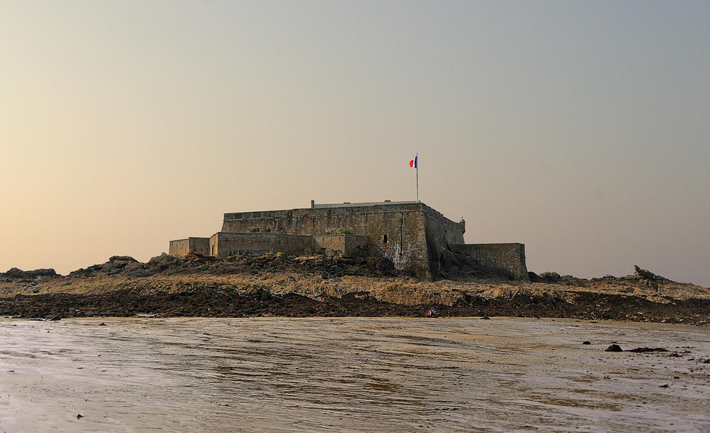 Strong national and its enclosure, French Heritage monument to St malo.