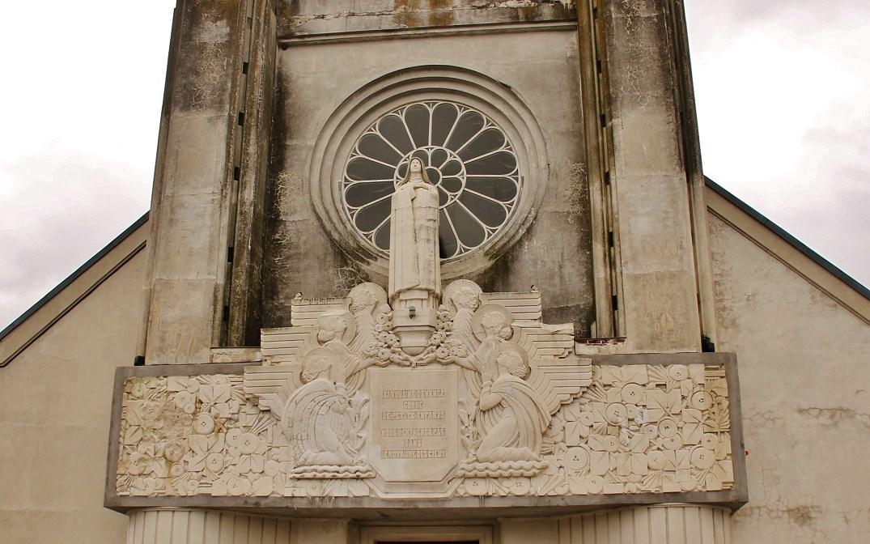 Sainte-therese-de-enfant-jesus church to Hirson.