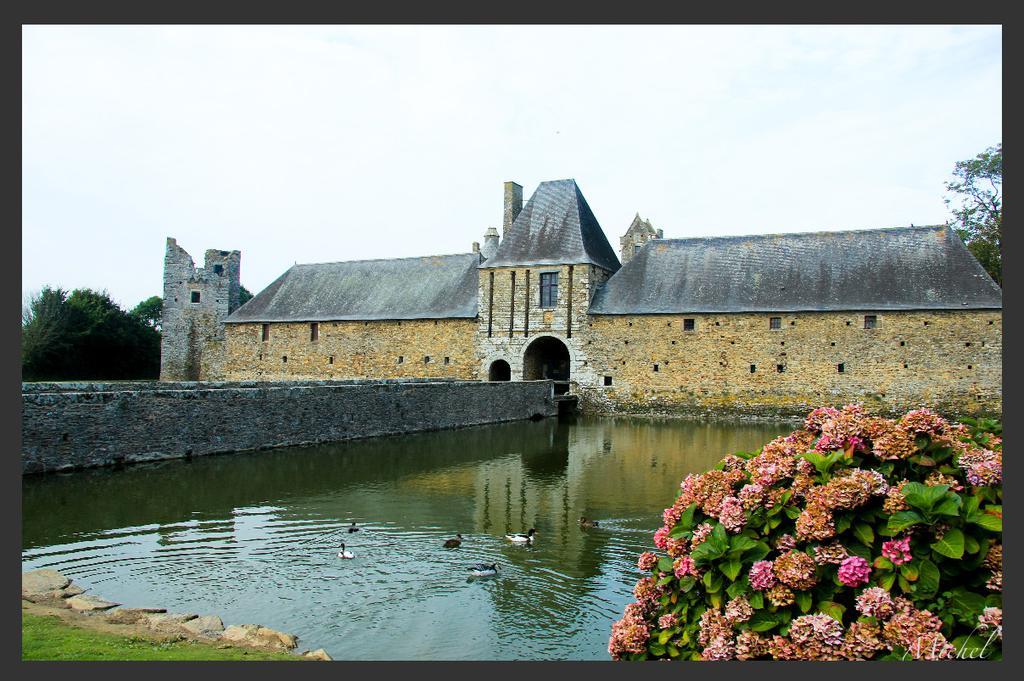 Ancien château de Gratot à Gratot.