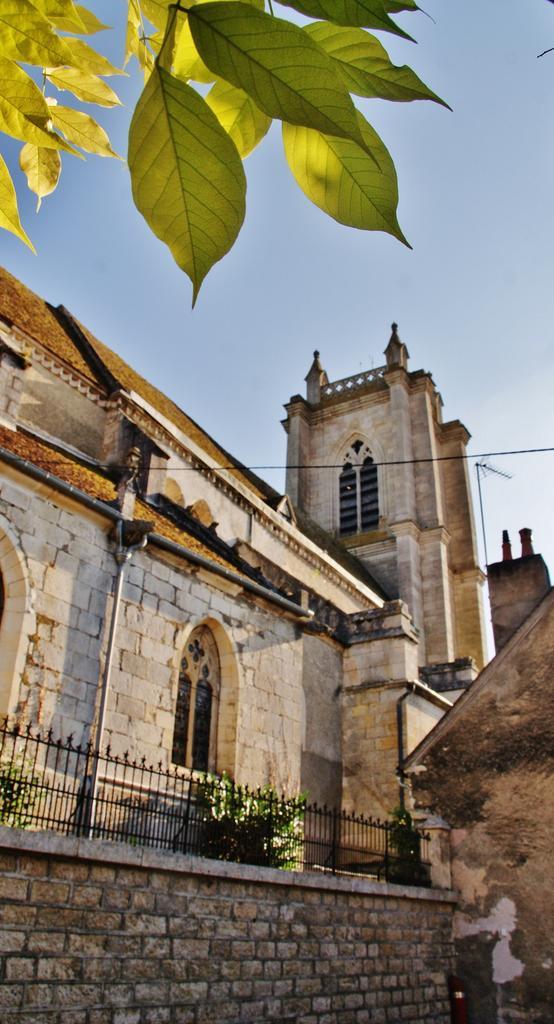 Eglise Saint-Caradeuc à Donzy.