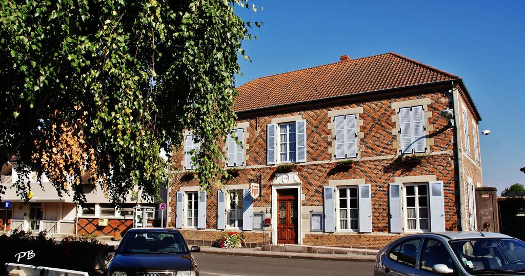 Mairie à Randan.