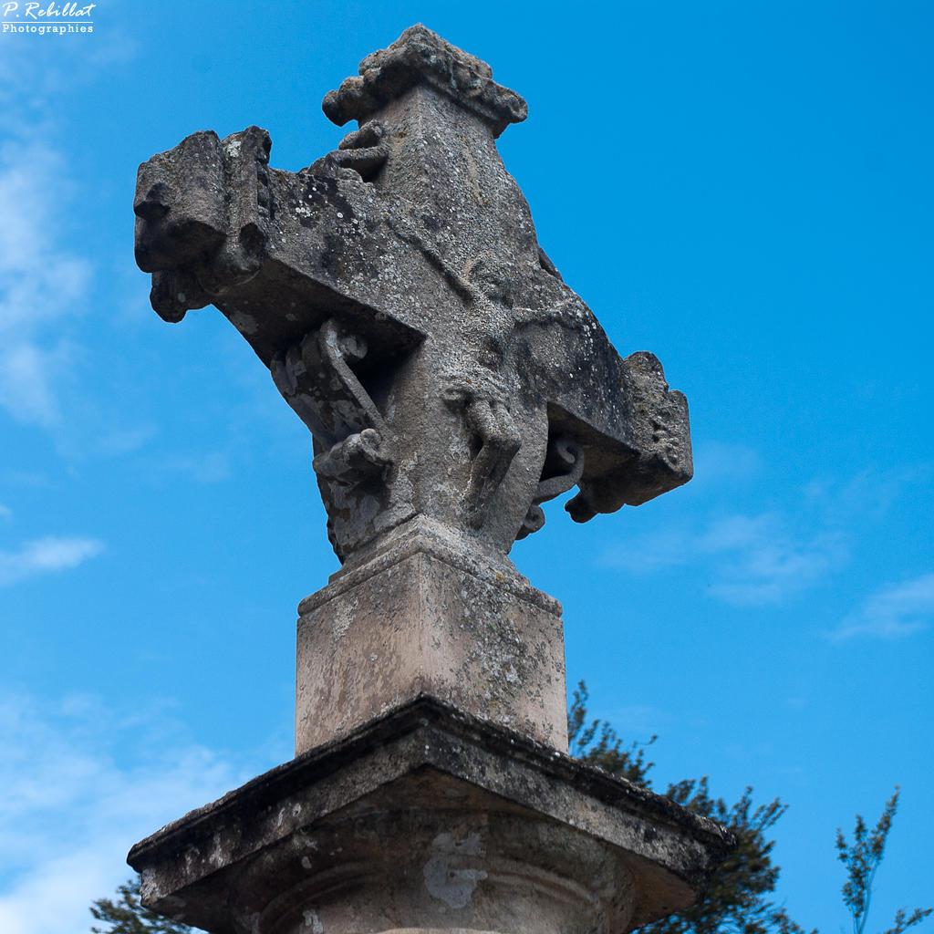 Croix à Putot en bessin.