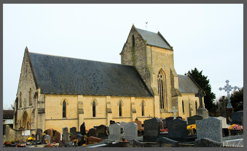 Eglise à Fontaine etoupefour.
